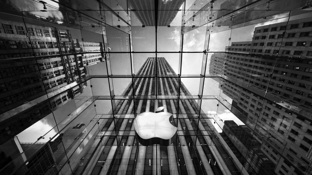 Patented-Apple-Glass-Store-NewYork-1024x576