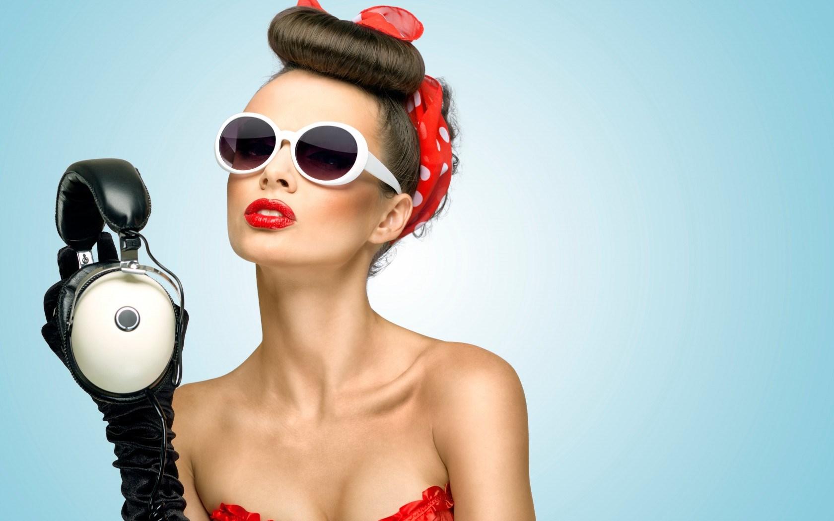 retro-girl-sunglasses-gloves-bow-headphones-hd-wallpaper