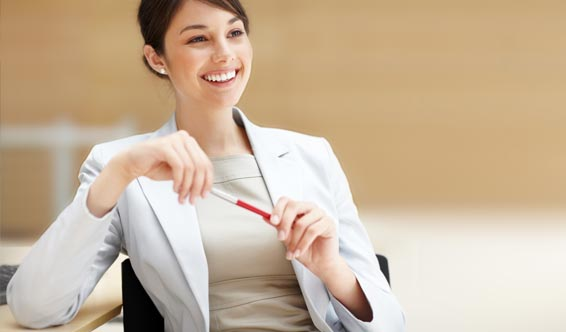smiling_business_woman